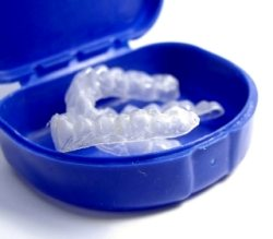 teeth bleaching plastic trays